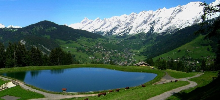 La Clusaz in the heart of the Aravis